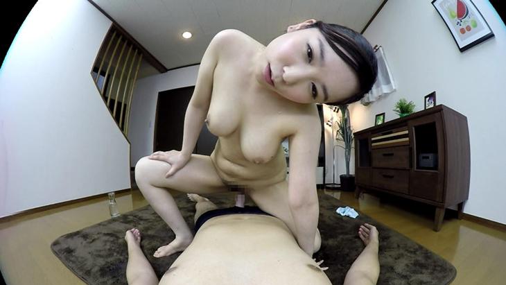 アダルトVR動画:笹倉杏:巨乳妻との極上のひととき…自宅でローションソーププレイ[マットプレイ・騎乗位編]