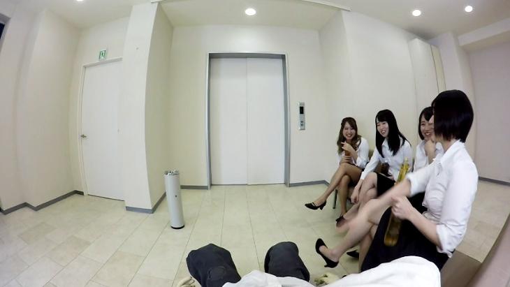 アダルトVR動画:OL4人組の休憩室での手コキ +エレベーター内で時間が止まる!?
