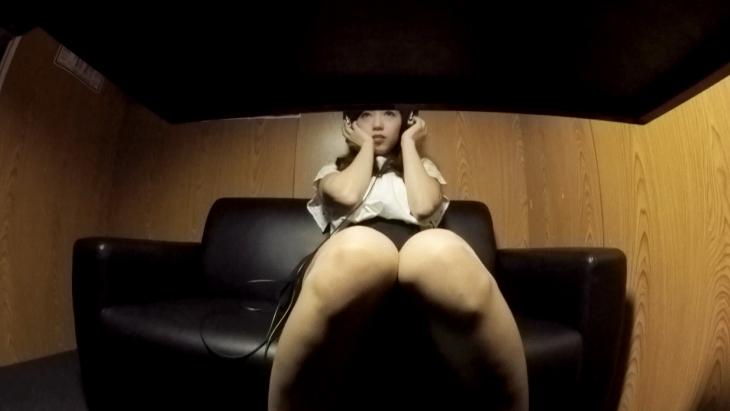 アダルトVR動画:目の前で覗き見できる!ビデオBOXオナニー5