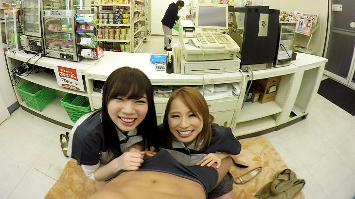 北川エリカ 斎藤みゆ お客さんに隠れてこっそりフェラチオ!!コンビニレジ下VR