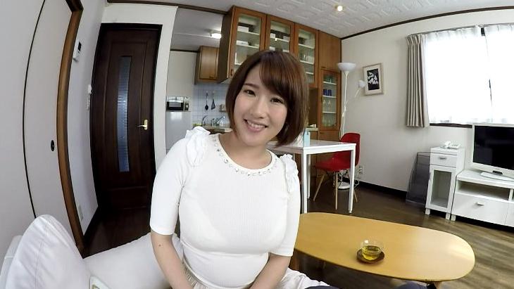 アダルトVR動画:巨乳の奥さんは揺れるおっぱいで仕事中の僕を誘い、もうしゃぶり出したら止まりません!