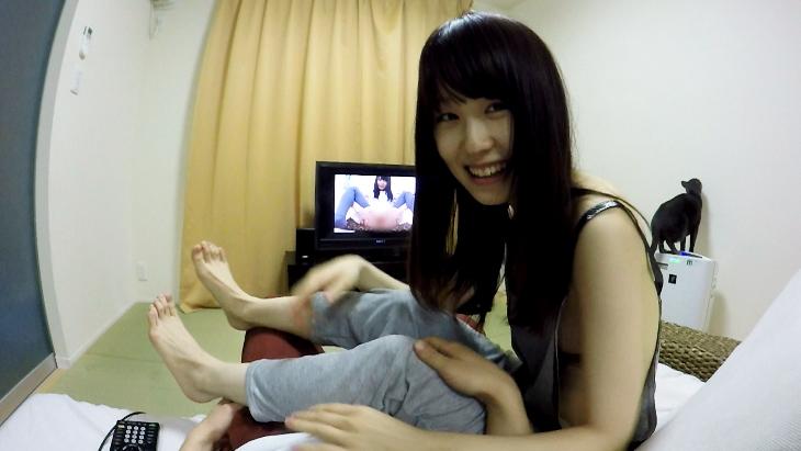 アダルトVR動画:美少女と一緒にAV鑑賞
