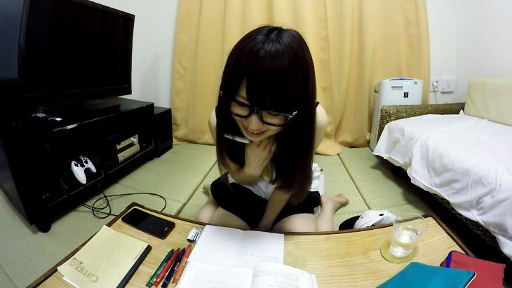 アダルトVR動画:夏休みの美少女のお勉強会