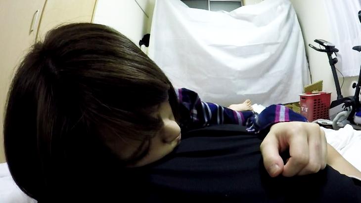 アダルトVR動画:美少女が甘く優しく添い寝で癒しAM00:32