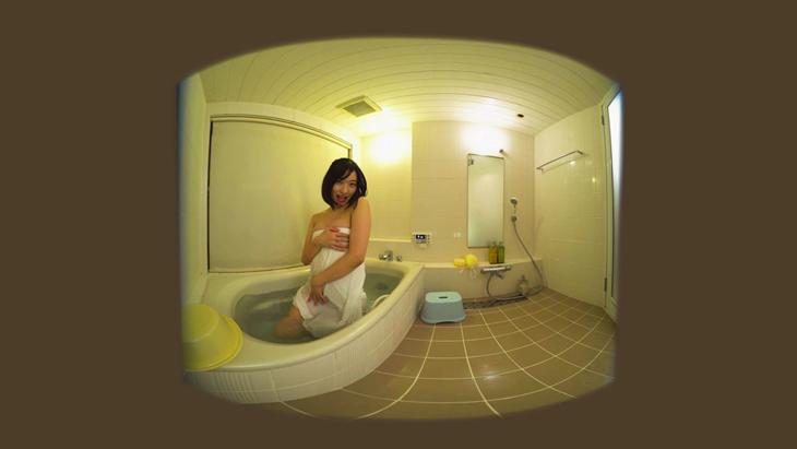倉持由香 入浴中に自画撮り:2枚目