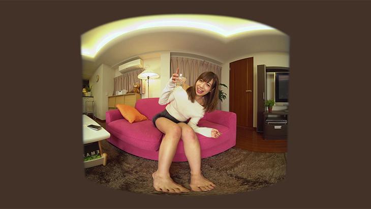 星島 沙也加 深夜のほろ酔い姿を自画撮り:2枚目