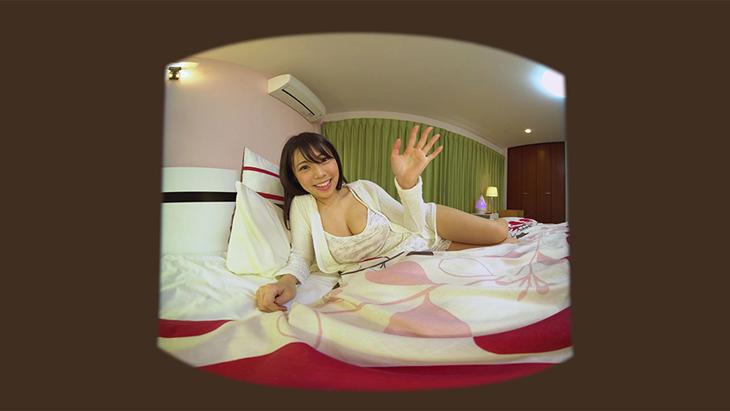 鈴木ふみ奈 おやすみ前のマッサージを自画撮り:2枚目