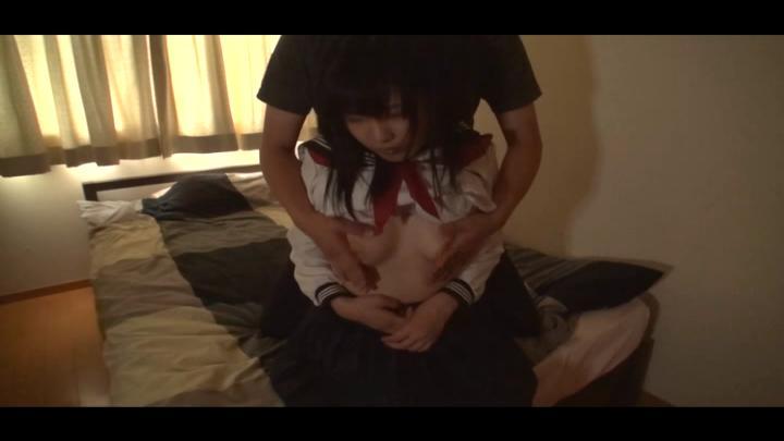 薄暗い部屋で…ドスケベセーラー服美少女と中出しSEX 水城りの イメージ