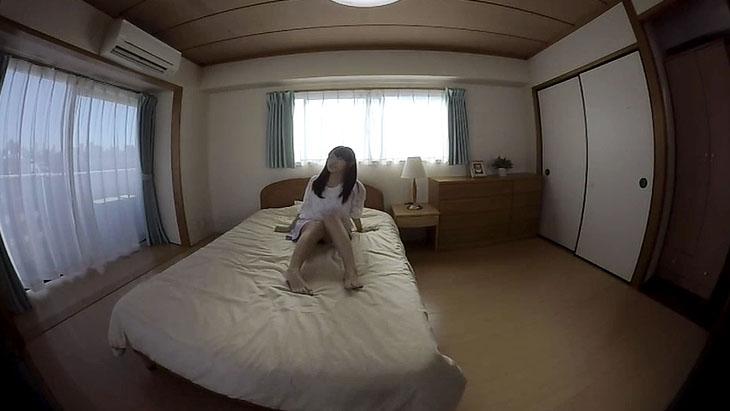 僕だけの初美沙希 寝室で下着姿に…