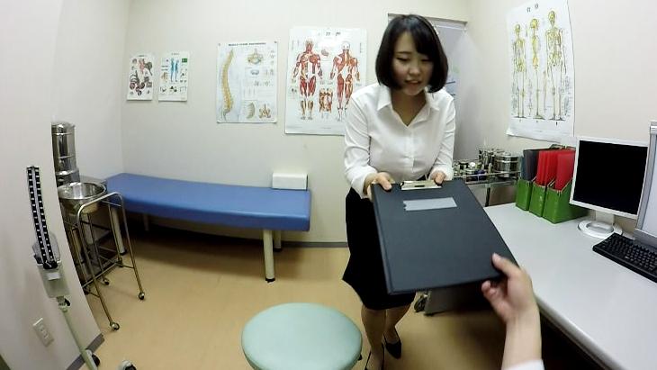 会社の健康診断で次々と医者におっぱいを揉まれていく