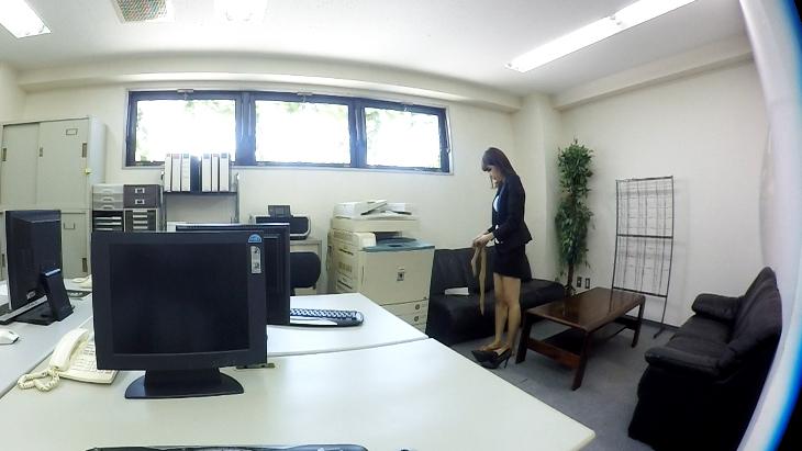 美人OL「杉崎絵里奈」の痴女プレイ 脚コキ~口内発射