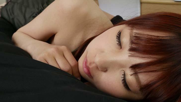 はるらちゃんの寝顔を独り占め!夢の添い寝でたっぷりイタズラ&フェラチオコース