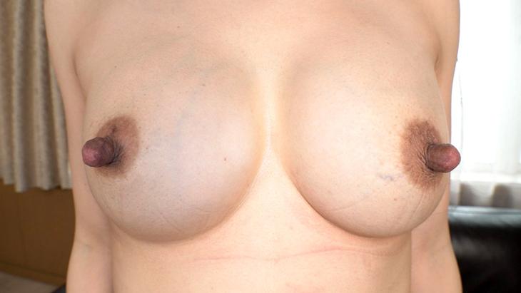 【U.F.O.SA連動】伸張乳首 素人美熟女ナンパ!!街で声をかけた美幸さん(43歳)は3児の母!吸いに吸われまくってゴムゴムの乳首の持ち主になったアラフォー奥様だった!デカナガ乳首奥さんに遭遇 イメージ