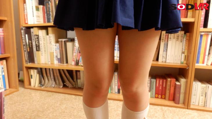 【視点移動VR】図書館の美少女をスカートの中まで凝視!どこまでも追い込み押し倒して中出しレイプ!